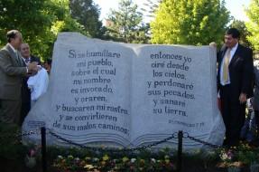 Imagen:Monumento a la Biblia | Tomé al Día