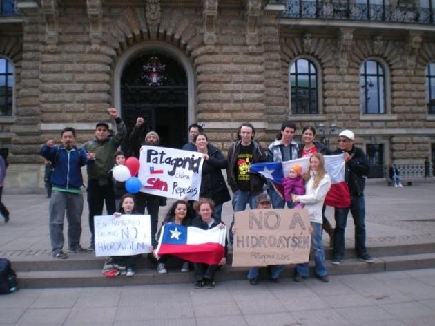 Chilenos en Hamburgo Alemania contra Hidroaysen | Ricardo