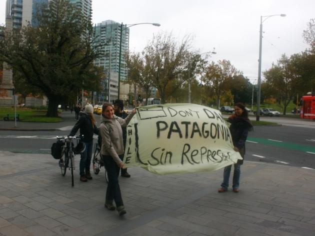 Manifestación contra Hidroaysen en Melbourne | Montserrat Lara
