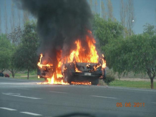 Auto se quemó en Ruta 5 Sur | Norma Cardenas