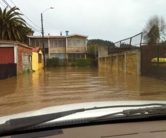 Intensas lluvias generaron inundaciones en sector Estadio Huachipato de Talcahuano