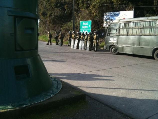 Carabineros en Canal de Chacao | Rister Ojeda