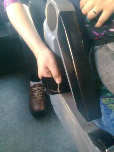 Cinturones de seguridad cortados | Oscar Valenzuela