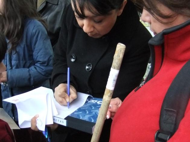 Firmas de agrupación Víctimas  | Karina Maldonado