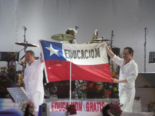 Faith No More apoya a los estudiantes chilenos | Dario Saavedra