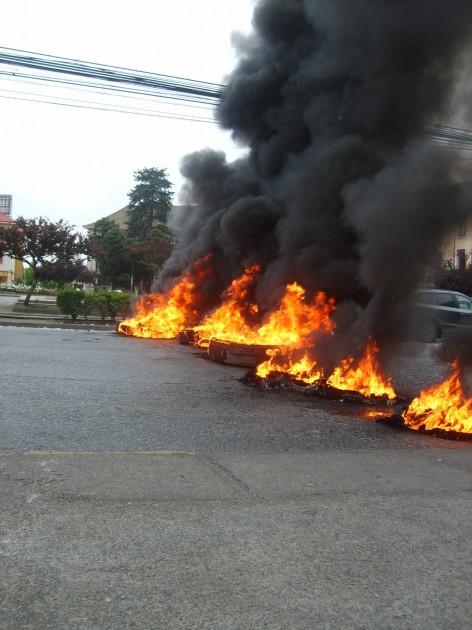 barricadas | María Gabriela Valdebenito