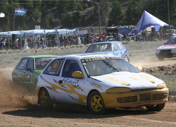 Felidor Cano liderando la Sport Car