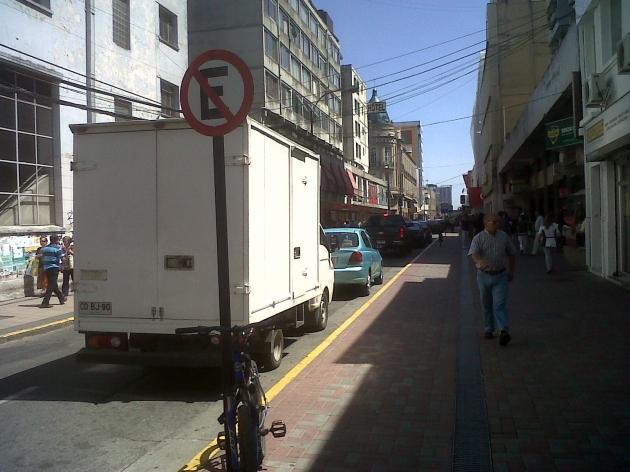 No respeto de Señal No Estacionar | Miguel Reyes