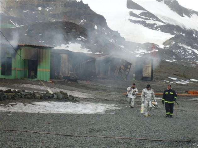 Sobrevivientes en base de Brasil en la Antártida