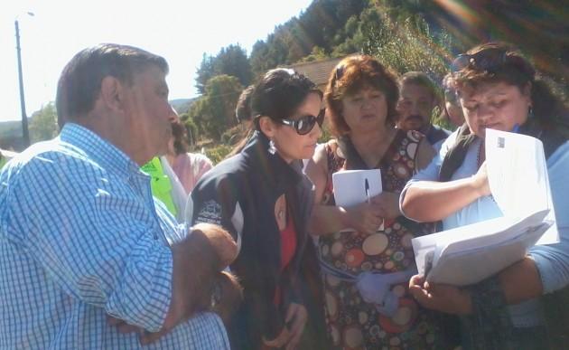 Autoridades de Gobierno llegaron a dialogar con vecinos | Carlos López (RBB)