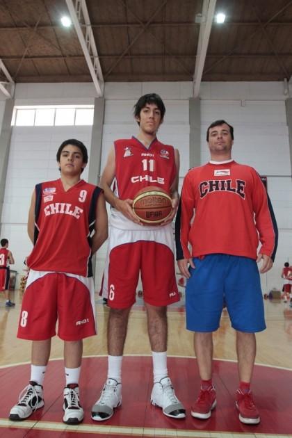 Javier Barra y el DT Manuel Córdova | ADO Chile/Mauricio Palma