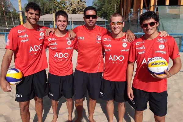 Duplas chilenas junto al DT Marcelo Carvalhaes   ADO Chile/Mauricio Palma