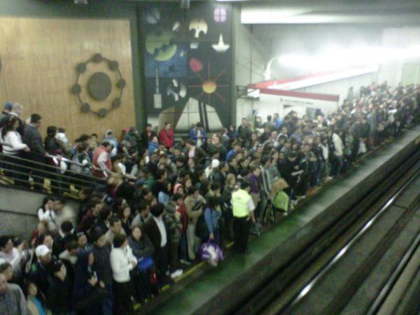 Metro Universidad de Santiago   @Juan Luis16 vía Twitter