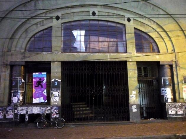 Abandono de Teatro Victoria en Curicó | Felipe �valos