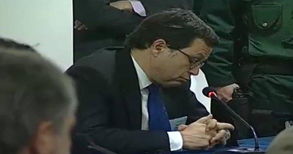 Ministro Hinzpeter durante toma de declaración | 24H
