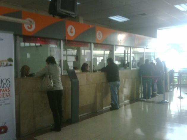 Deficiente atención en cajas de Banco Estado de Rancagua | Roberto Pinto