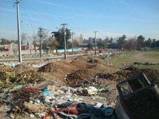 Calles-basurales en La Pintana | Juan Pablo Caneo