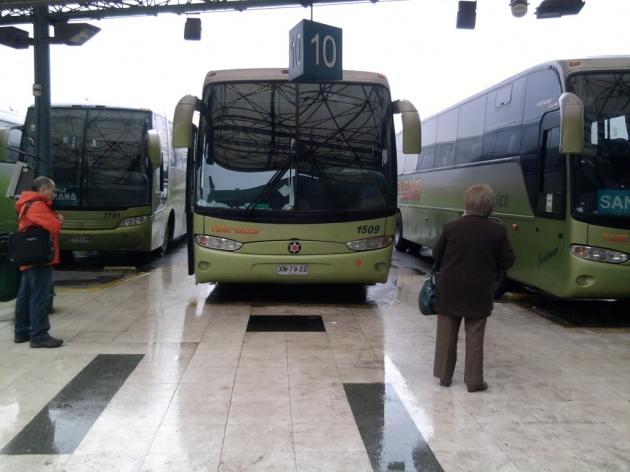 Lluvia en interior de  busTurBus | Esteban Donoso