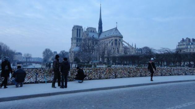 Los candados en París | Por Gabriela Ulloa (BBCL)