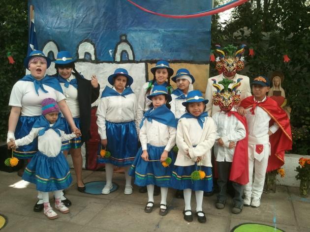 Niños con cáncer de Fundación Nuestros Hijos celebran Fiestas Patrias   Bárbara Campos Pérez