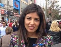 Karen Rojo (C)