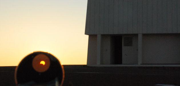 Durante el eclipse | Arturo Gómez (C)