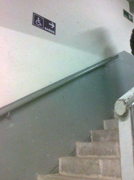 Acceso a baño para discapacitados | Sebastián Cifuentes