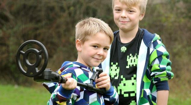 Sonny y su hermano mayor | Daily Mail