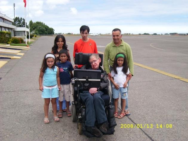 Mi familia junto a Stephen hawking | José Olave