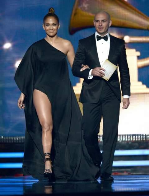 Lopez y Pitbull | www.grammy.com