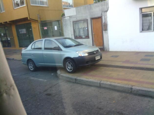 Estacionamiento en las aceras | Alvaro Michea