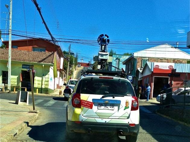 Automóvil de Google Street View recorre las calles de Nacimiento | Gonzalo Sánchez