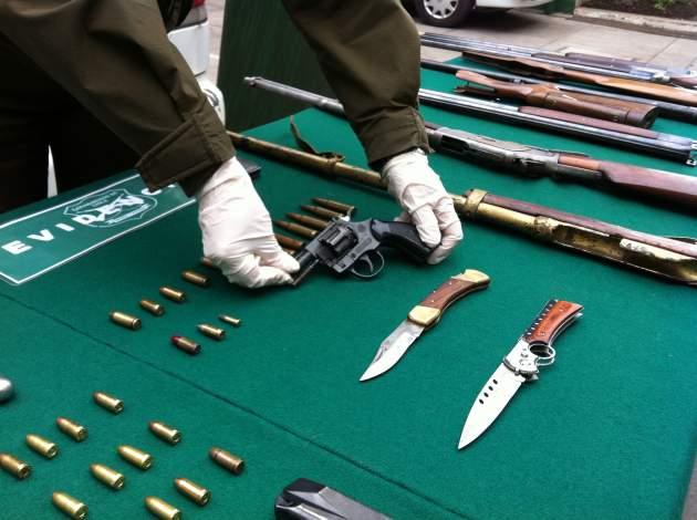 Contin a investigaci n para establecer origen de armas for Porte y tenencia de armas