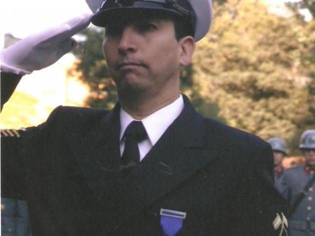 Sargento Guillermo Arévalo | Elizabeth Arévalo