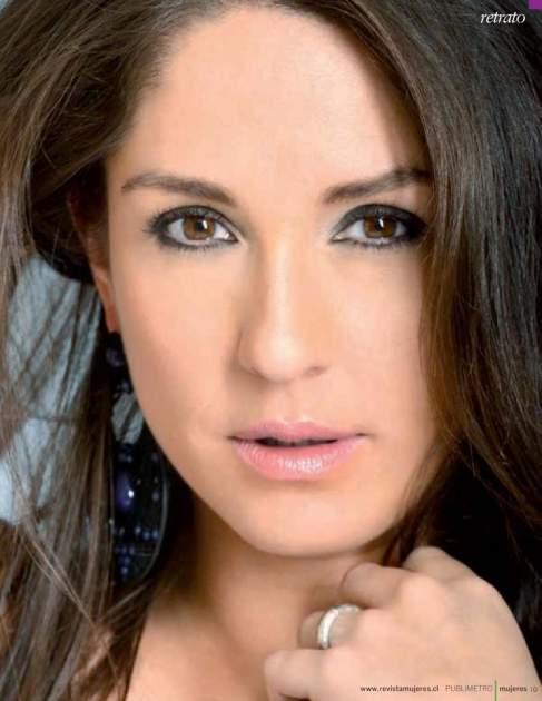Mariana Loyola Facebook Oficial
