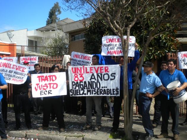 Reponedores de Unilever en huelga | Raúl Ayala