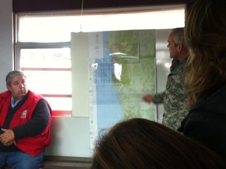 General Travisany muestra área de búsqueda a familiares | Pedro Cid / RBB