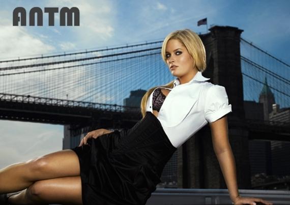 Whitney Thompson en America's Next Top Model (2008)