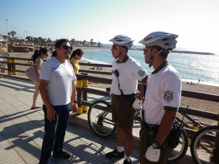Efectivos en playa El Laucho de Arica | Carabineros