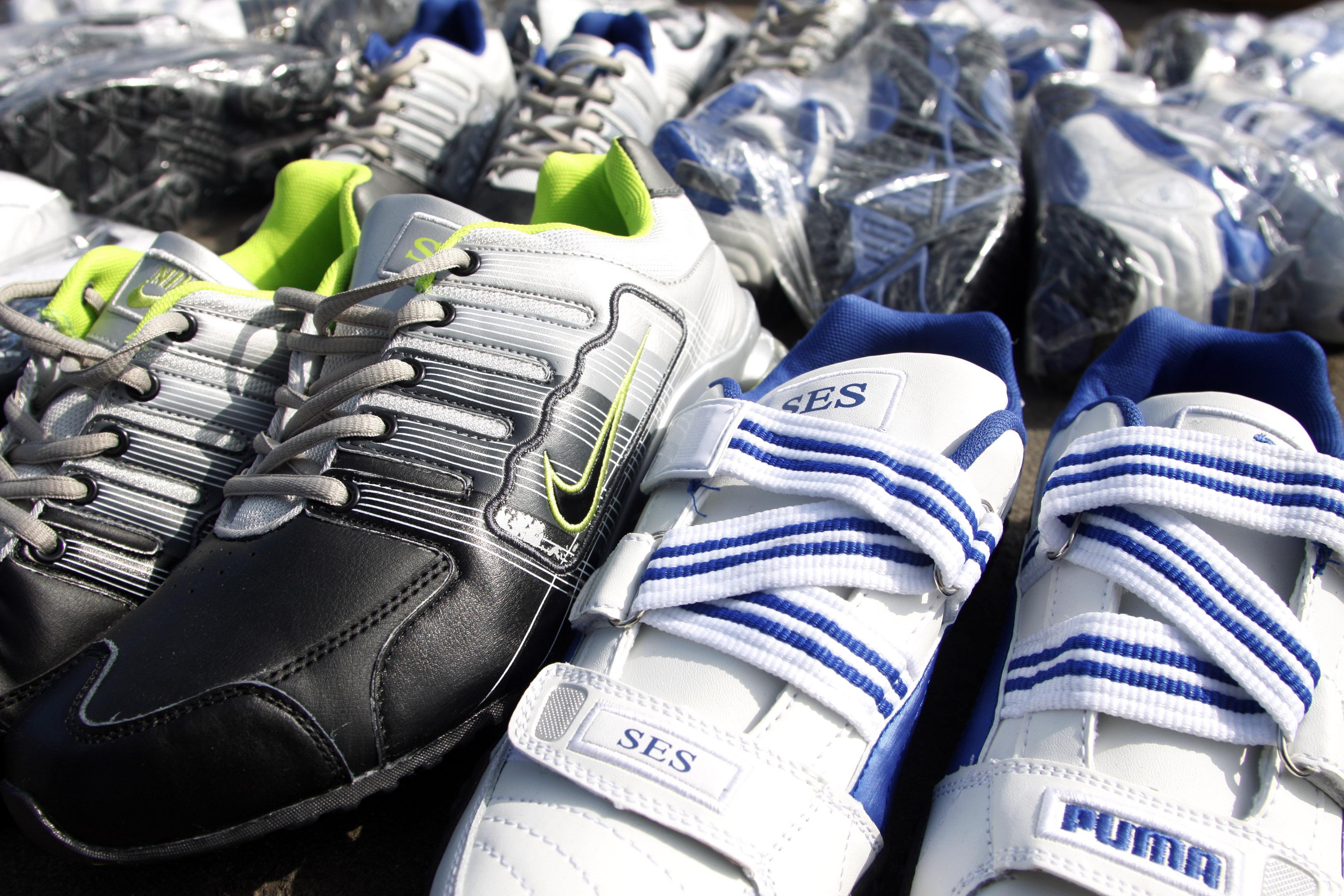 85f1647bc2 Iquique  Decomisan más de 37 mil pares de zapatillas falsificadas de  conocidas marcas