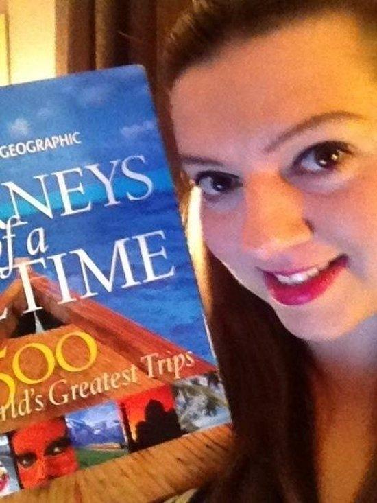 Rachel con uno de sus regalos | redditgifts.com