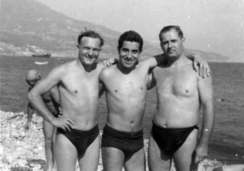 Víctor Jara (al centro) | yousozunga.webnode.es