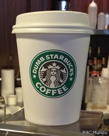 Vaso de Starbucks Tonto | BBC