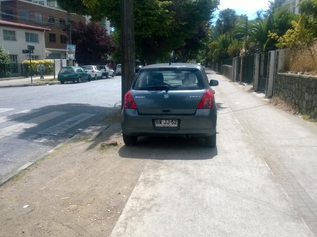 La ciclovía no es estacionamiento | Nicolás  Villanueva Martínez