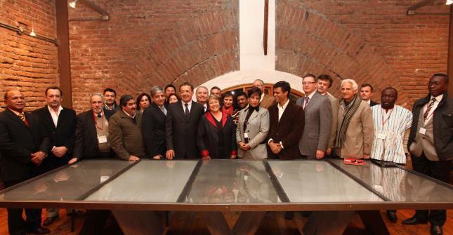 Leopoldo López, segundo a izquierda de Bachelet.