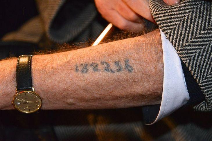 Tatuaje de identificación | wikimedia commons