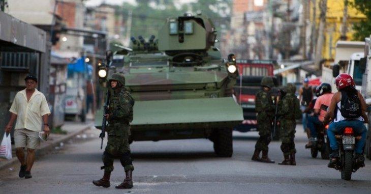 Refuerzo previo al Mundial en favela Maré | Christophe Simon | AFP