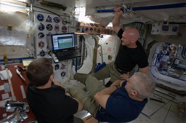 Los astronautas en la EEI | NASA