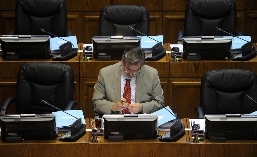 Senador guillier llama a zald var a ampliar la cocina y for Llama en la cocina