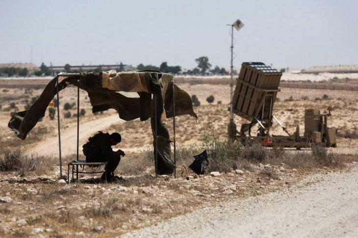 AFP PHOTO/MENAHEM KAHANA